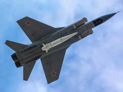 俄曝光时速10马赫导弹,是美军航母编队最大的威胁