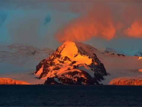 """我国卫星拍到南极""""异象"""",火山灰蔓延20公里,这意味着什么?"""