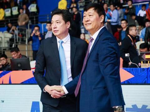 CBA名将不走了,李春江留人成功,能否带队冲击季后赛