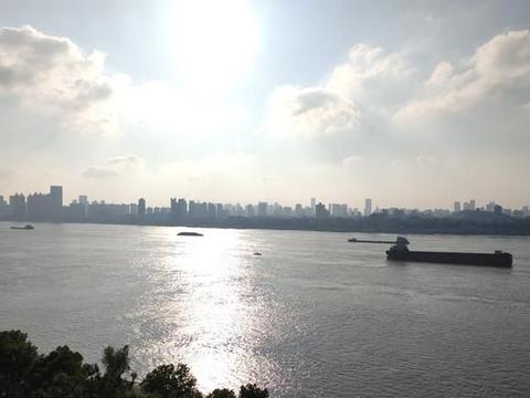初夏的湖北武汉:阳光魅力之城,未来发展之都!