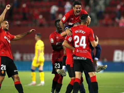 西乙最新积分战报 差1分升西甲 马洛卡追西班牙人 莱加内5轮不败