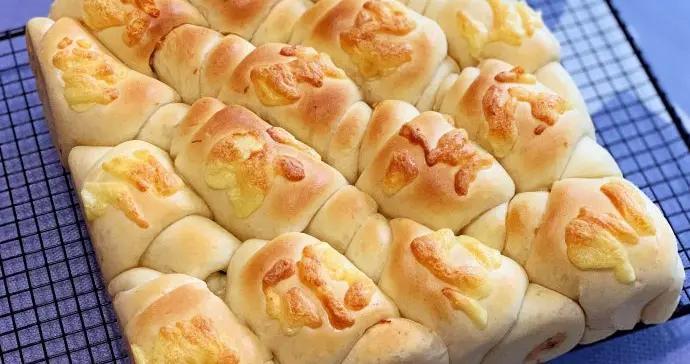 海苔芝士肉松面包卷做法