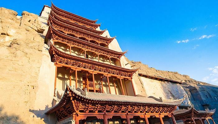 """上海交大第三期""""敦煌文化守望者""""计划启动,10名志愿者将参与莫高窟保护"""