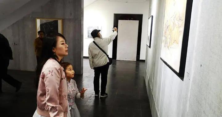 德昌阿特现代艺术空间开馆,五位艺术家聚首青岛共筑精神疗愈时空