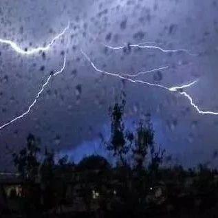 南宁启动洪涝灾害V级应急响应!暴雨+雷暴大风马上到货!
