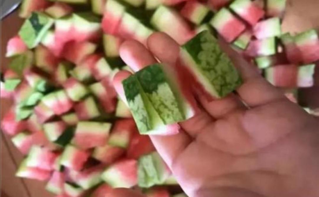 家庭养花,用1种水果皮做花肥,养分全面,长势旺!