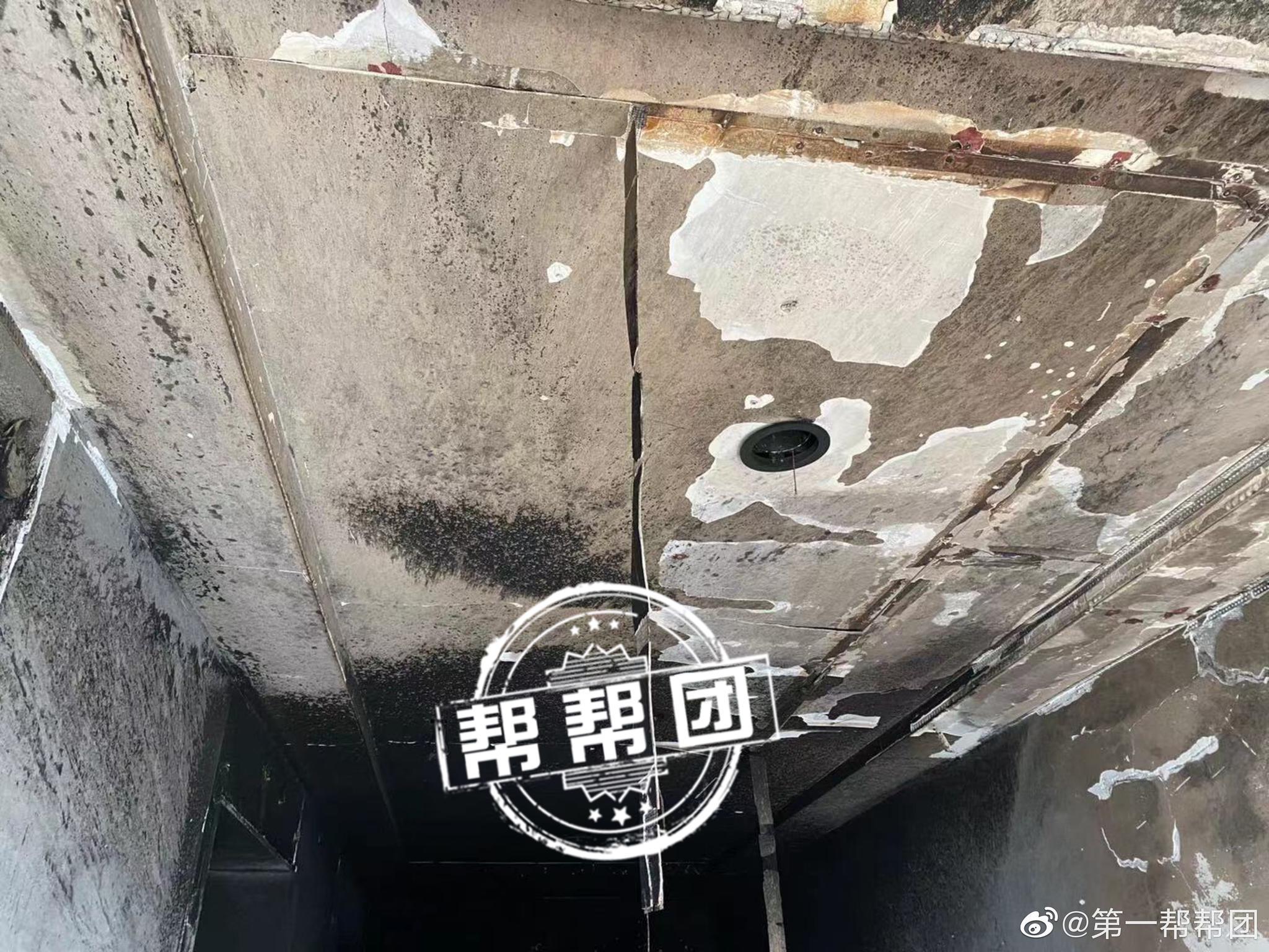 """福州一高层小区电动自行车""""起火"""",""""进楼入户""""乱象再引关注"""
