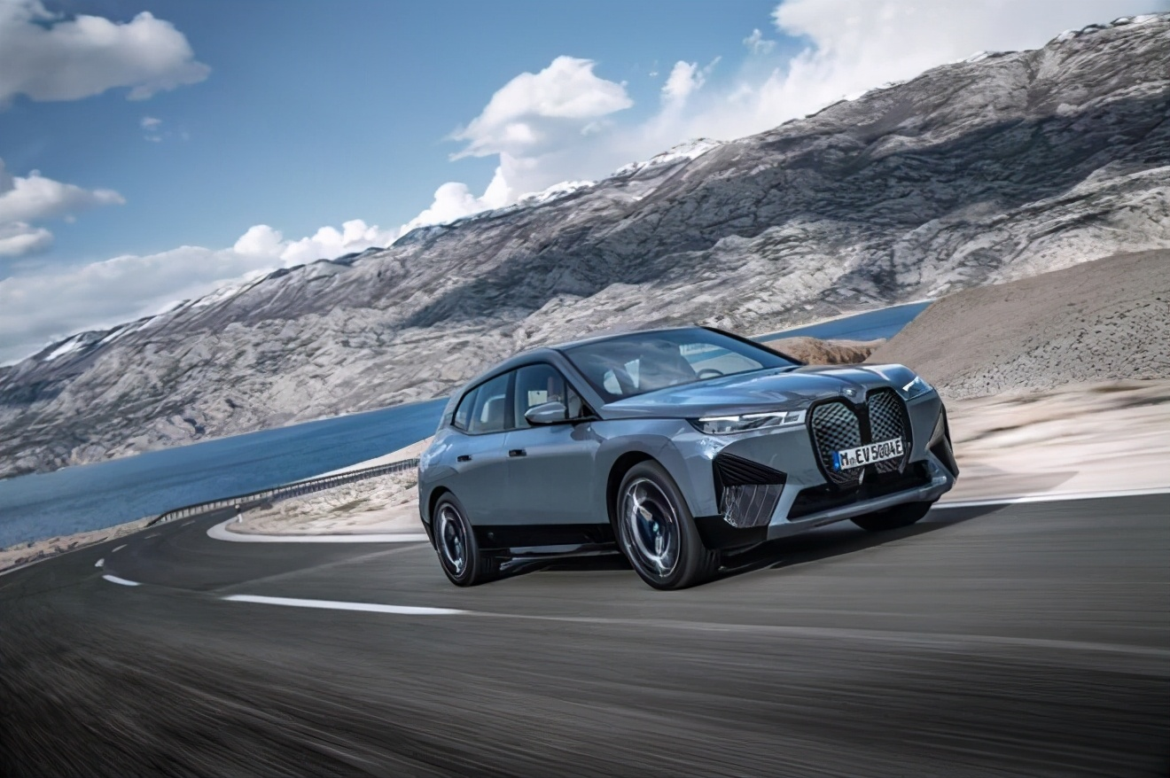 创新BMW iX、创新BMW i4同时发布 宝马纯电新车频频推出