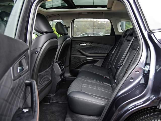 奇瑞星途又一新车型上市,4个气囊,两驱四驱都有,搭载1.6T动力