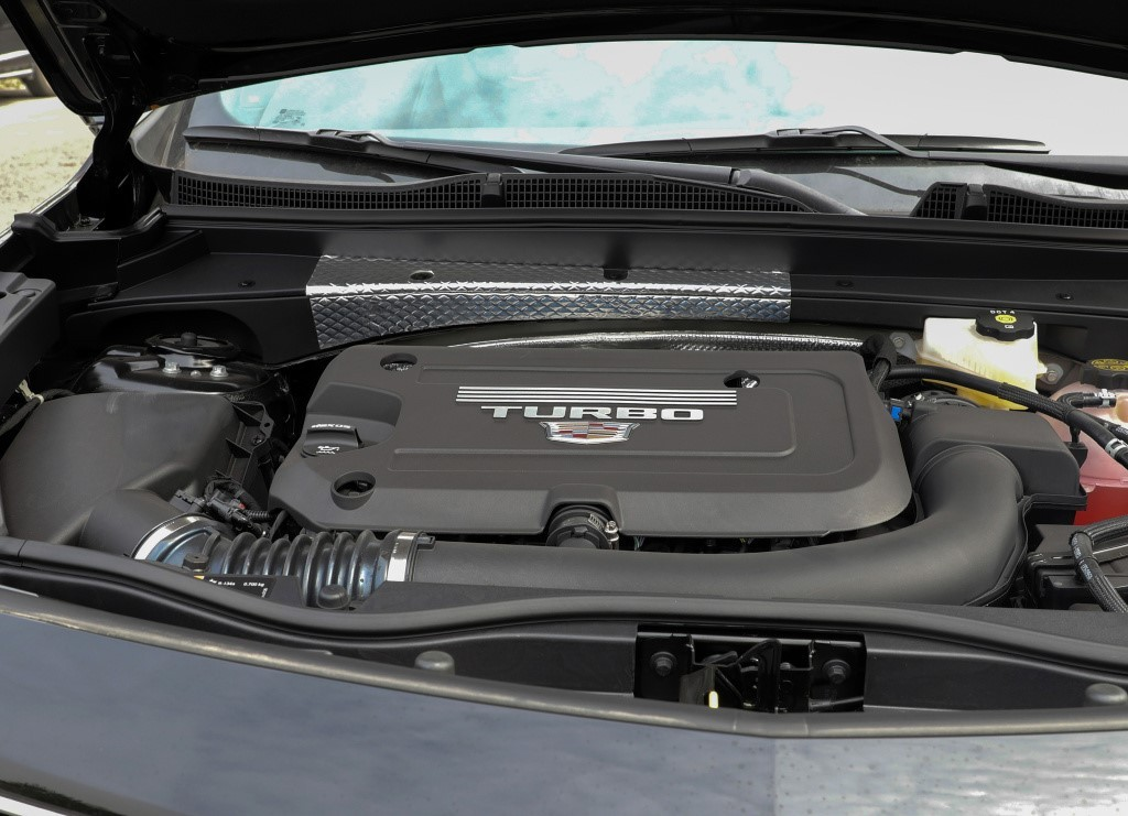 实拍凯迪拉克XT4,全系2.0T配9AT,价格厚道动力强,比Q3X1实在
