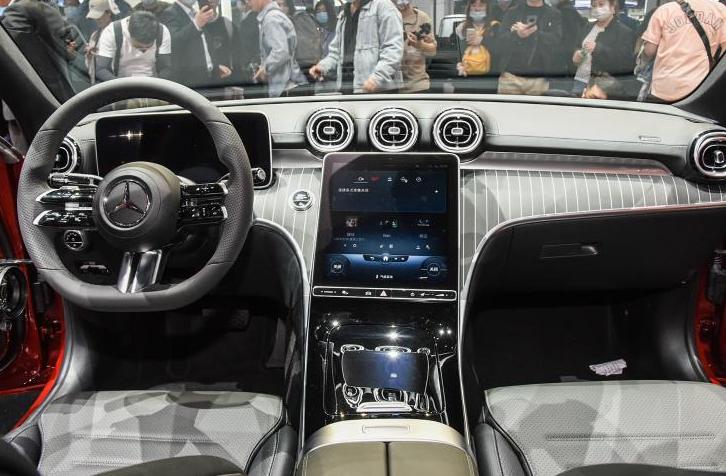 """新一代奔驰C级""""立标""""曝光,气质逼近S级,配3种动力"""