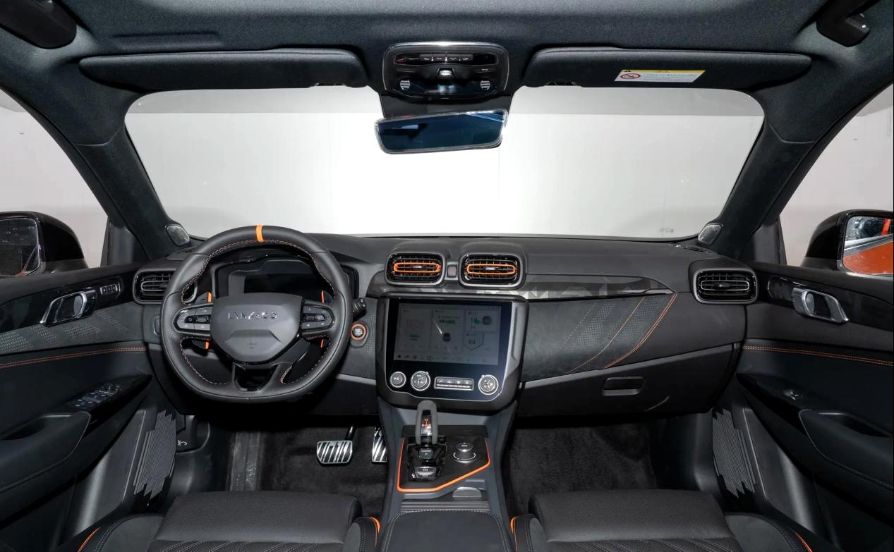 领克02 Hatchback正式上市 颜值不错 动力也很能打