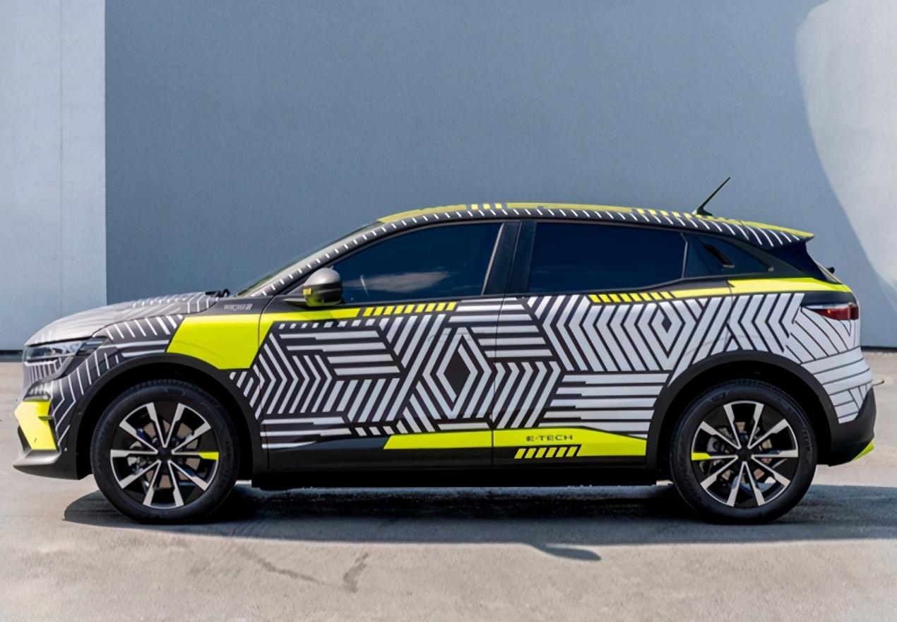 全新雷诺梅甘娜曝光!新车标+跨界造型,纯电驱动,比思域还犀利