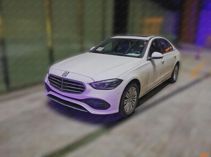 保持海外版设计,全新奔驰C级立标版曝光,或于9月上市
