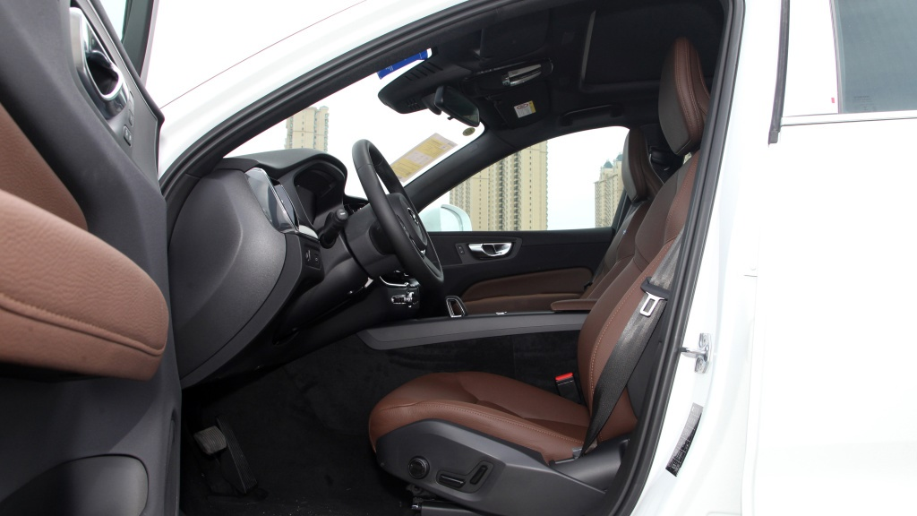 上半年上市的3款豪华中型SUV,奥迪Q5L、XC60、航海家,怎么选