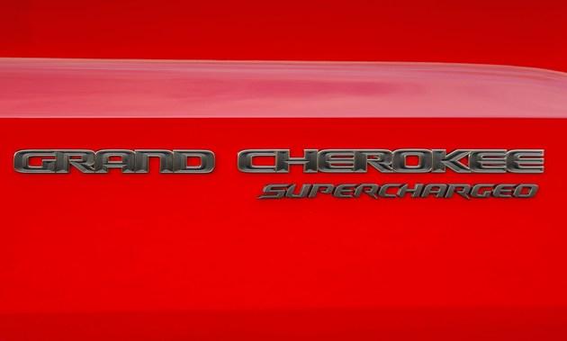 """新款大切诺基""""性能版""""曝光,3.0T直六引擎+电动机,外观很霸气"""