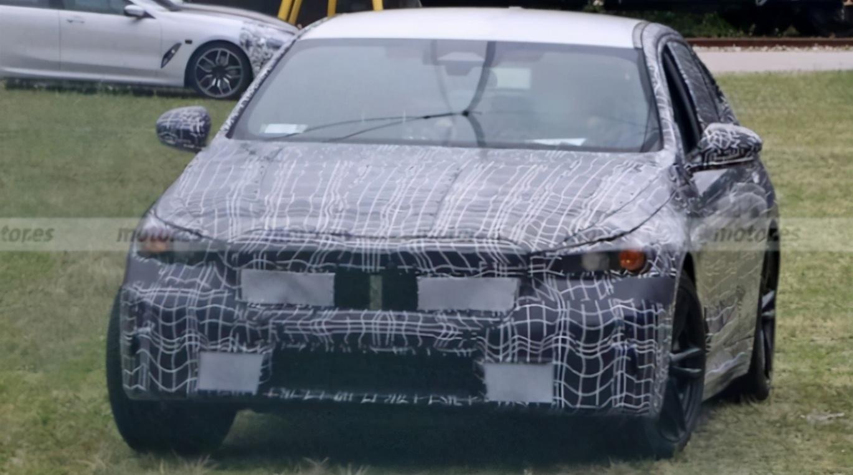 宝马5系终改款,新增混动车型,谍照曝光
