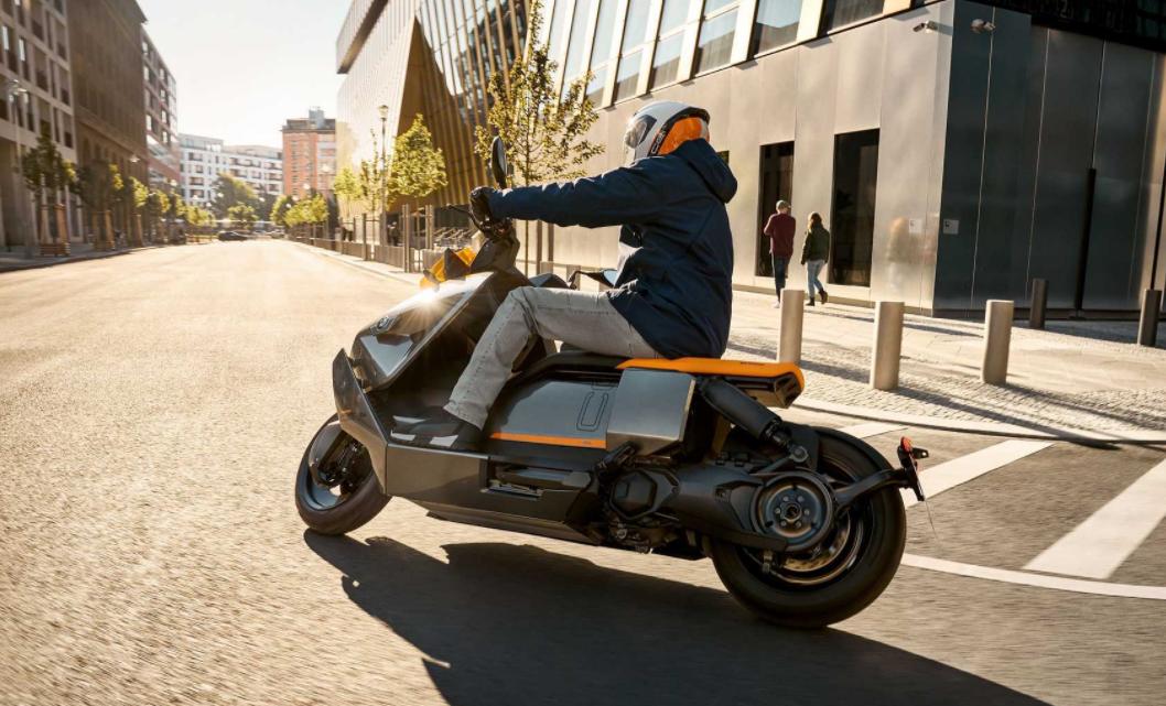 十万买宝马电动踏板,你买吗?