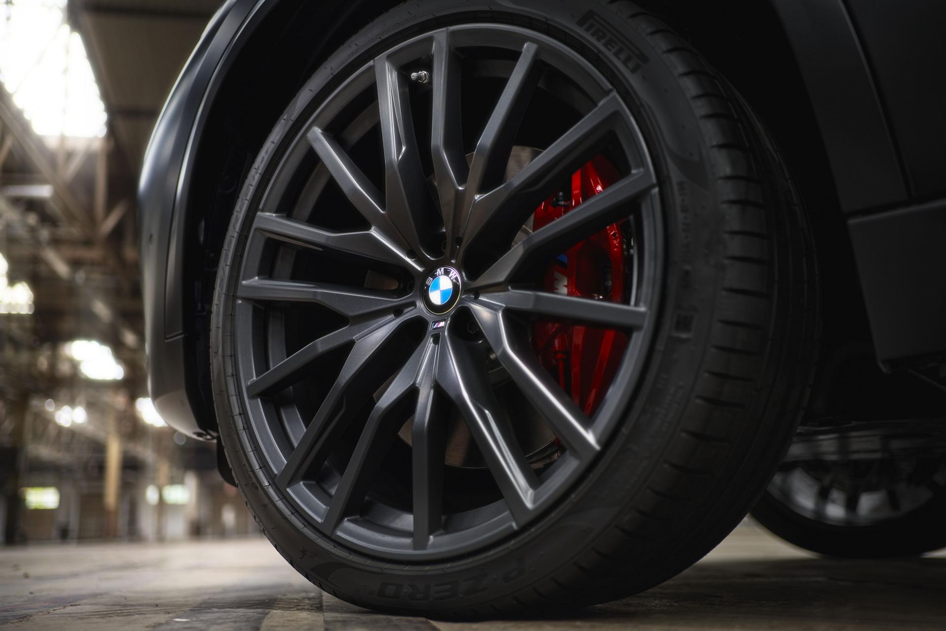 子弹说车丨换装红色双肾格栅,宝马X5/X6/X7特别版发布