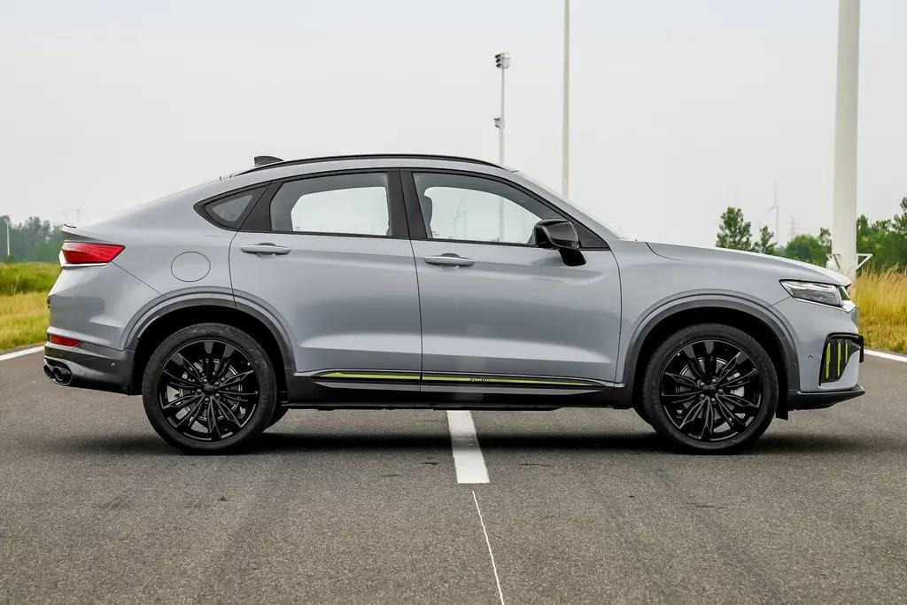 星越S到店实拍,定位性能轿跑SUV,2.0TD+8AT,还有四驱可选
