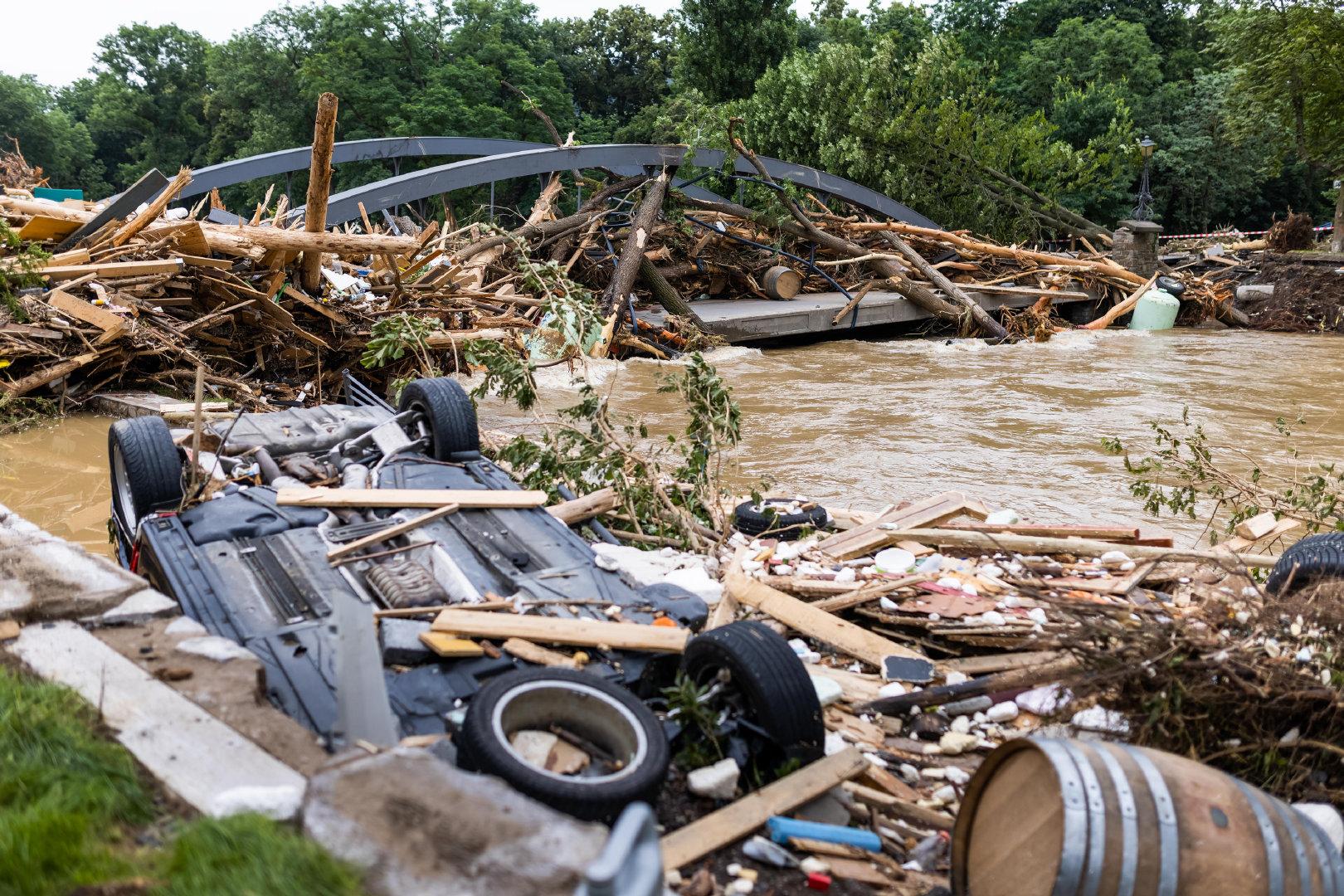西欧洪灾已致170人死亡,<a href=