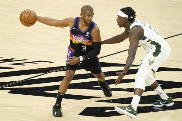 雄鹿123比119击败太阳 赢下NBA总决赛天王山之战
