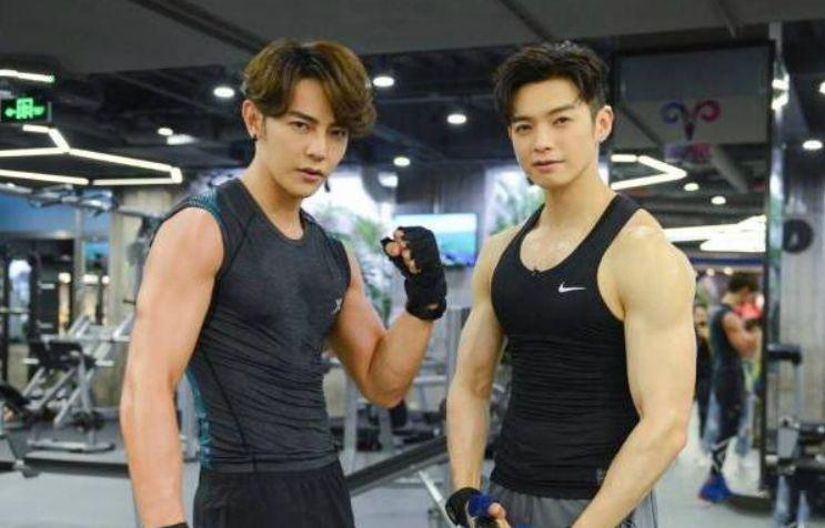 大学一男夙儒师因健身而意外走红,一身健硕肌肉圈