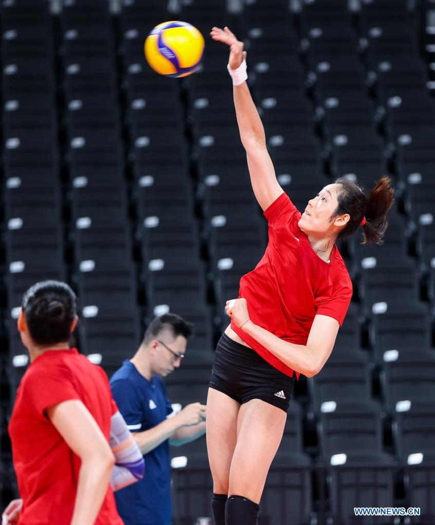 Zhu Ting (R) of China's women's volleyball team attends a training session at Ariake Arena in Tokyo, Japan, July 21, 2021. (Xinhua/Ding Ting)