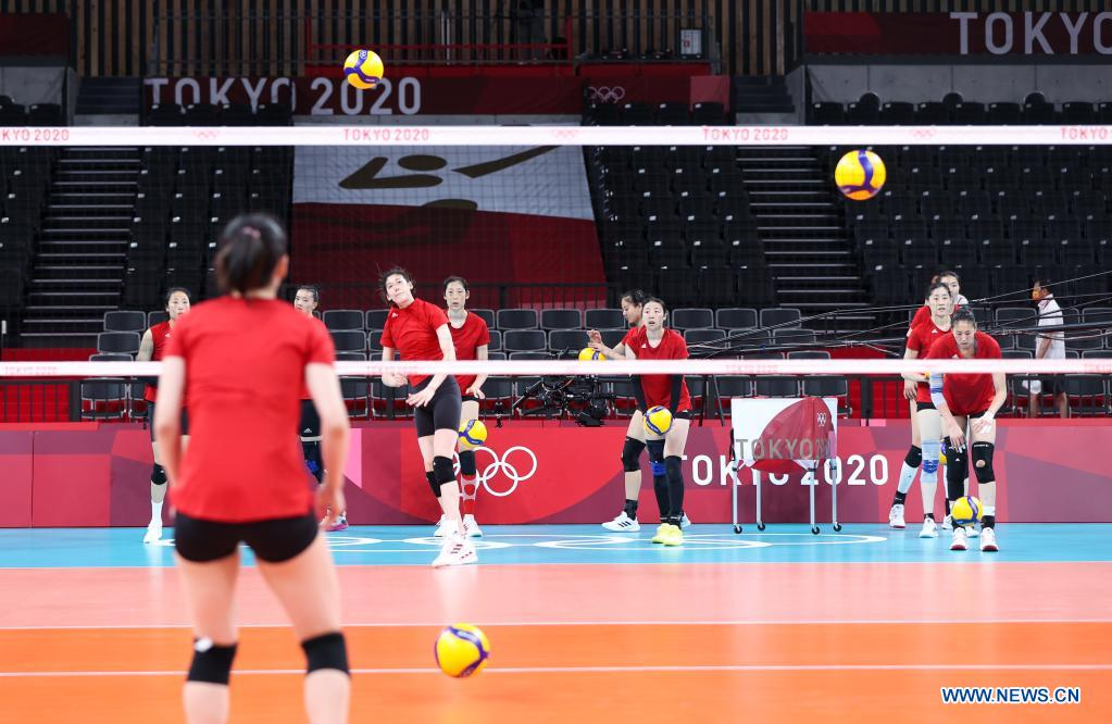 Players of China's women's volleyball team attend a training session at Ariake Arena in Tokyo, Japan, July 21, 2021. (Xinhua/Ding Ting)
