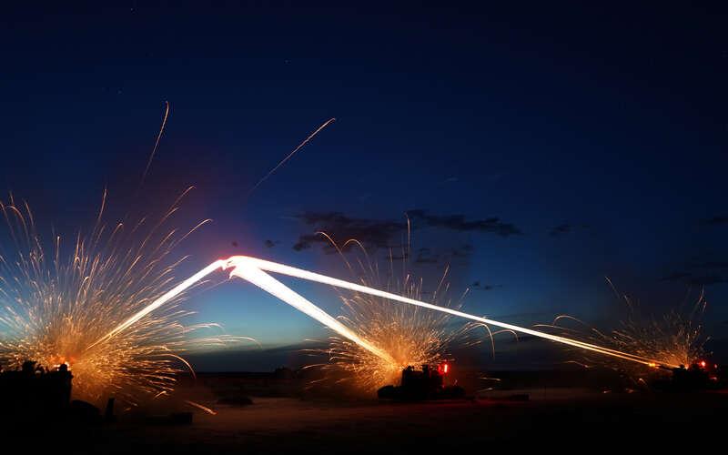 摩登5开户超燃!第73集团军某旅开展跨昼夜实弹战术演练 ... 社会