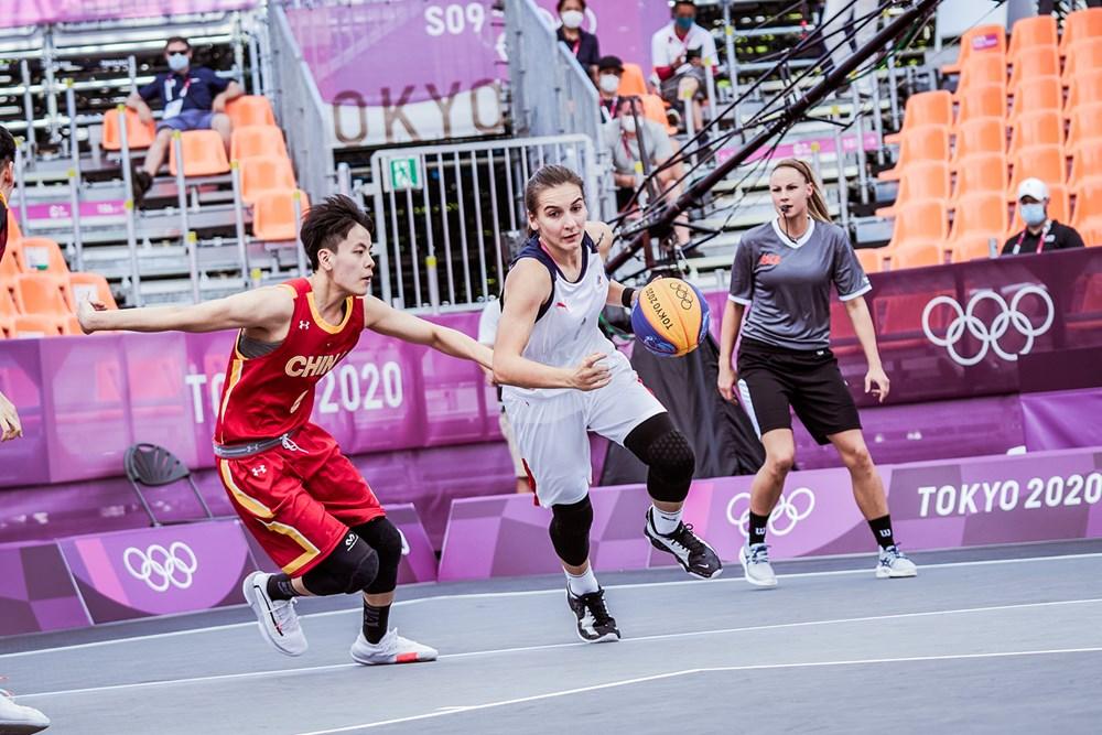 中国三人篮球亮相奥运赛场 女队正常发挥 男队表现欠佳图片