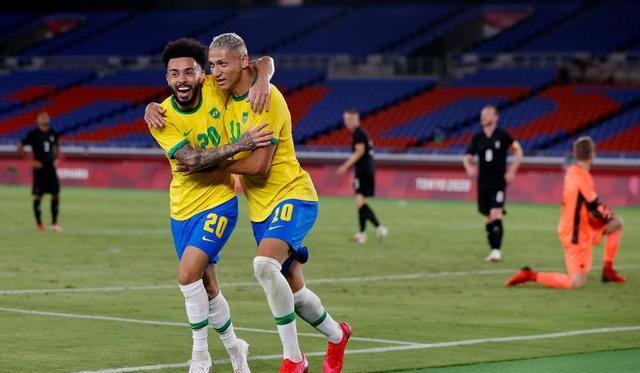 0-0!奥运会疯狂一战:2队都拿红牌,巴西爆冷,<a href=