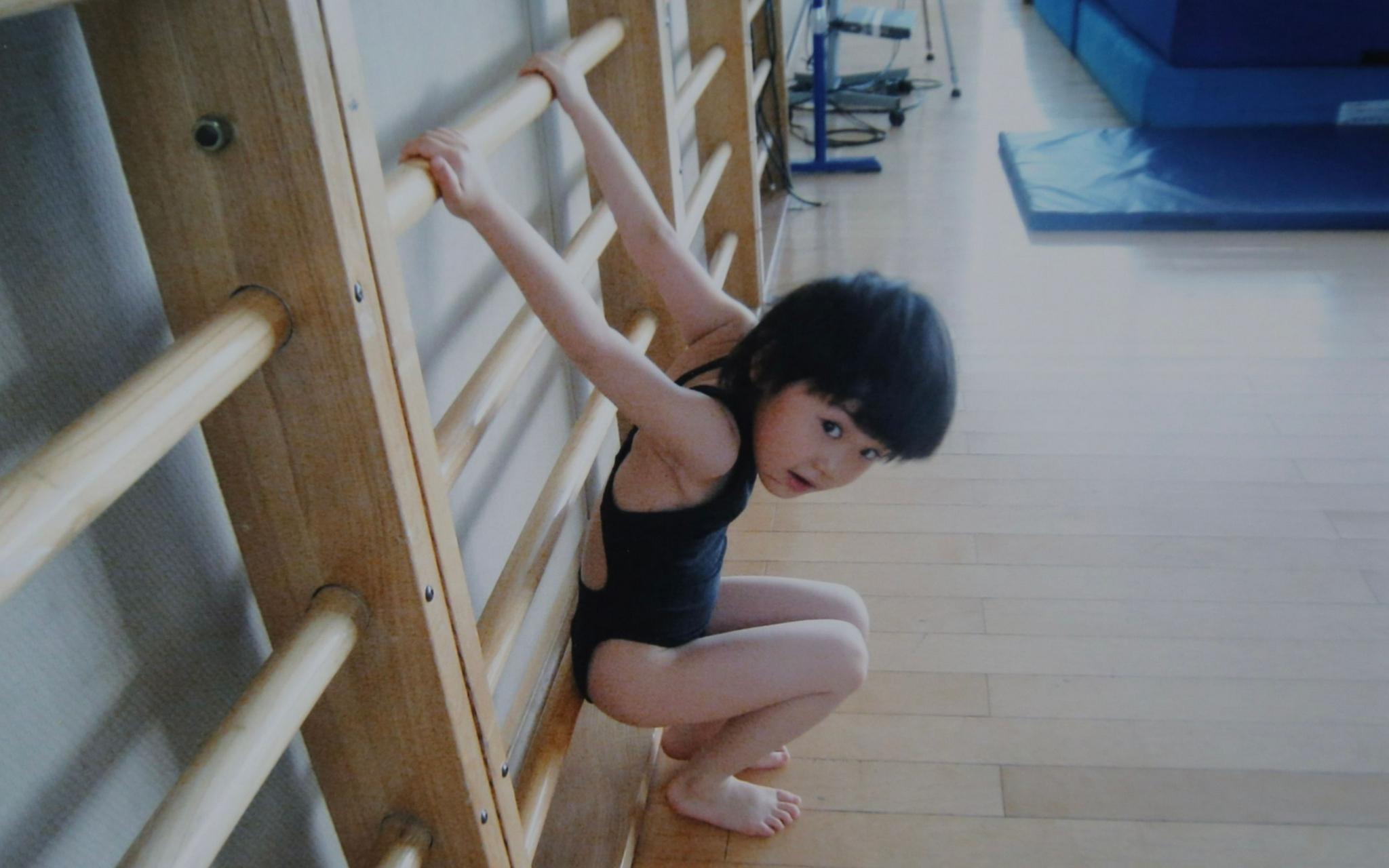 刚刚接触跳水的小家齐,那时她只有四五岁。新京报记者郑新洽摄