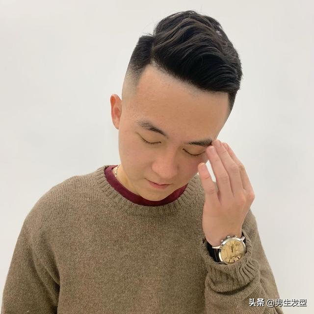 """男生别总剪""""锅盖头"""",试试这3款发型,怎么剪都帅气显高"""