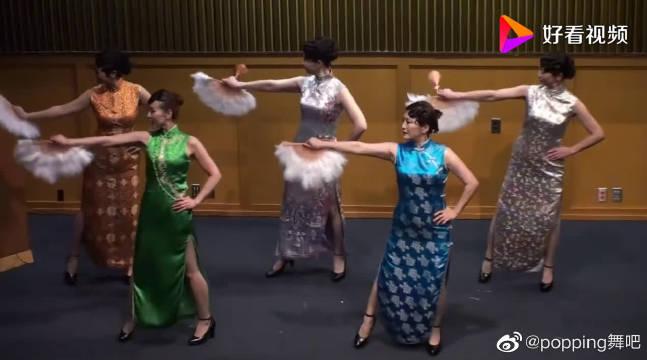 五位成熟美女展现旗袍秀《夜上海》……