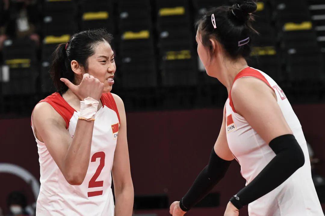 朱婷依旧在东京赛场带伤坚持。