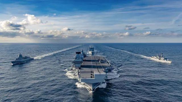 英国航母听好了:中国将用一切必要手段应对图片