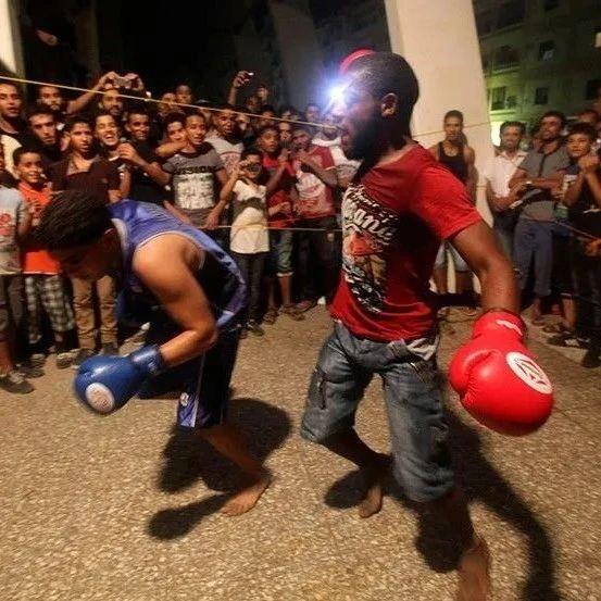 拳拳到肉,街头业余拳击赛竟然这么精彩!