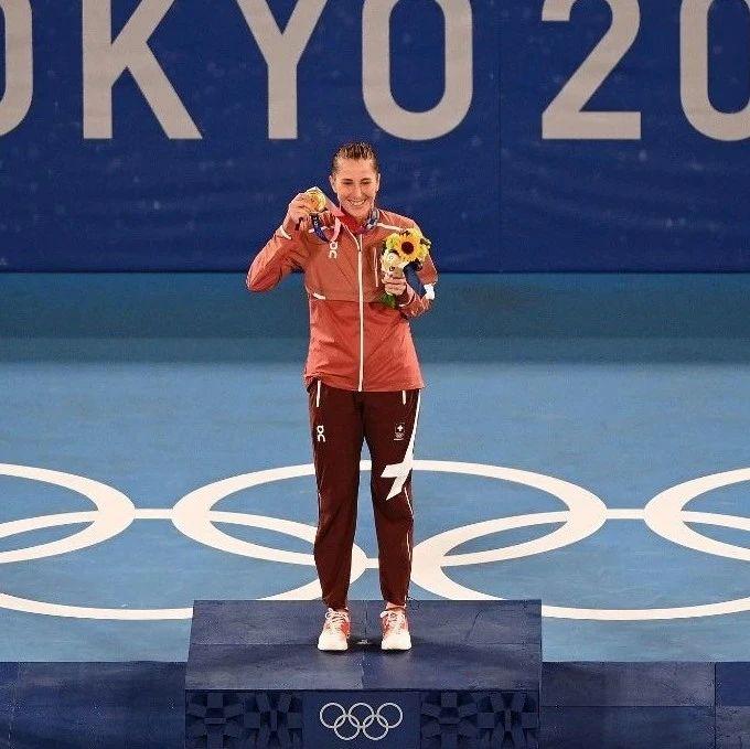 东京奥运会:本西奇成为首夺奥运网球金牌的瑞士女将