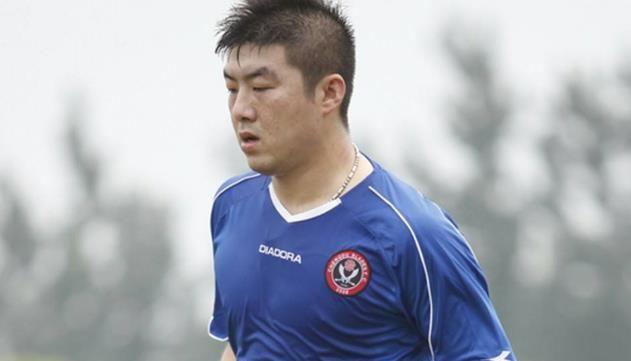 鲁能加图索34岁宝刀不老,任意球破门助球队取胜,要帮球队冲超