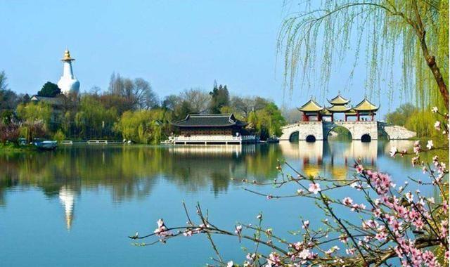 """江苏藏了一处原生湖泊,占地2000亩,被誉为""""西湖的孪生兄弟"""""""