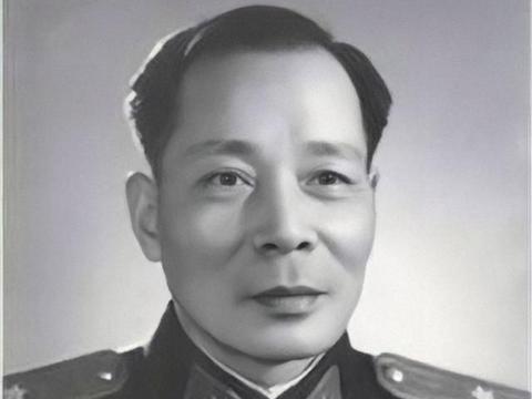 廖运周起义:手下3个国军团长2个要入党,邓小平听后强忍着没笑