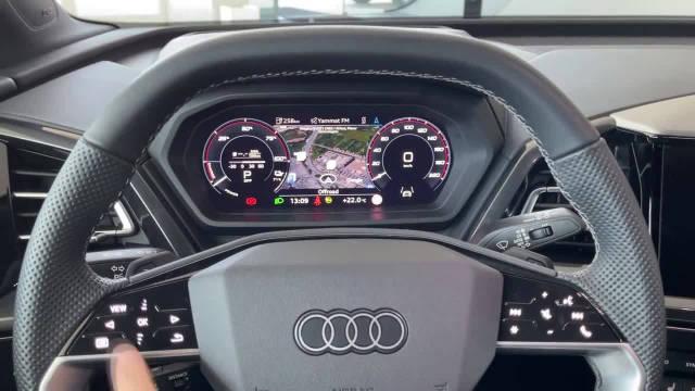 奥迪Q4 e-tron 2022数字驾驶舱视图,数字矩阵LED灯和后备箱