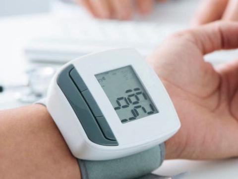 """患有高血压,若长期服用降压药物,或会有3件""""麻烦事""""会找上门"""
