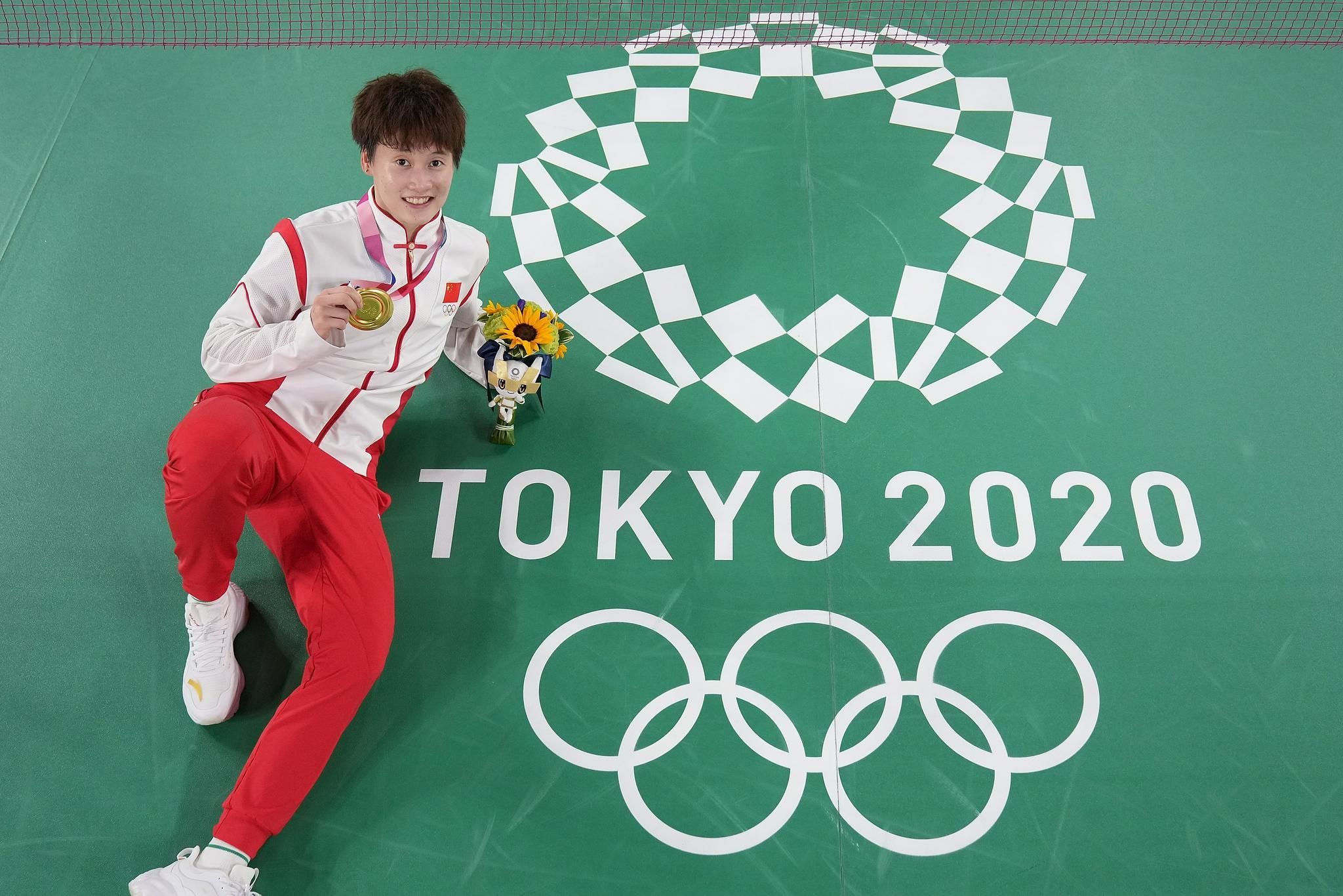 23岁的陈雨菲,拿到了梦想中的金牌。