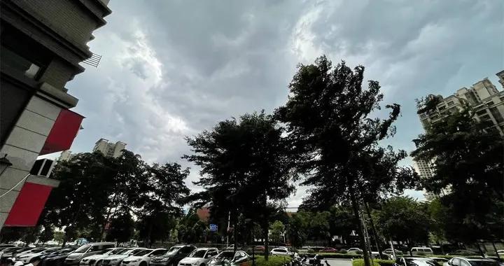 热热热!未来几天,广西大部分地区将维持35~37℃高温天气