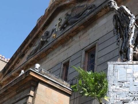 """格拉斯哥首个爱尔兰大饥荒纪念碑揭幕——""""沉默之塔将说明一切"""""""