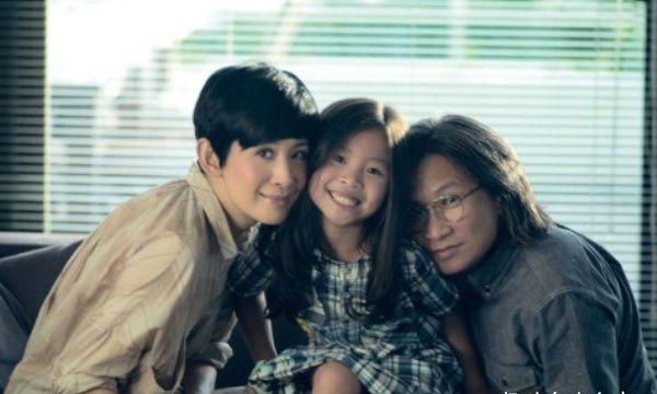 吴君如与陈可辛相恋21年,女儿已12岁,感情生活像童话故事