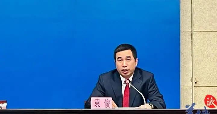 广州疾控:建议减少聚餐等非必要聚集活动,离开餐桌立刻戴口罩