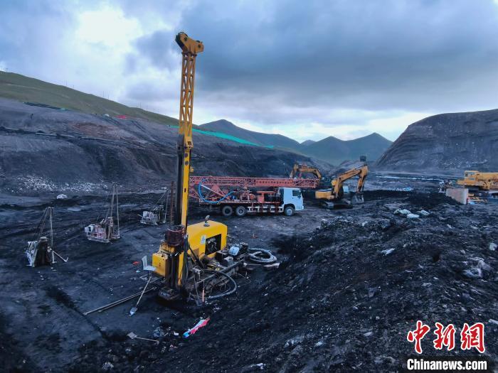 """青海柴达尔煤矿""""8·14""""冒顶事故19名被困人员全部遇难"""